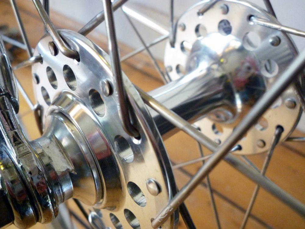 Fixed gear bike with 650b wheels